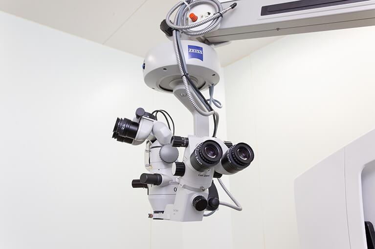 手術顕微鏡(カールツァイス)